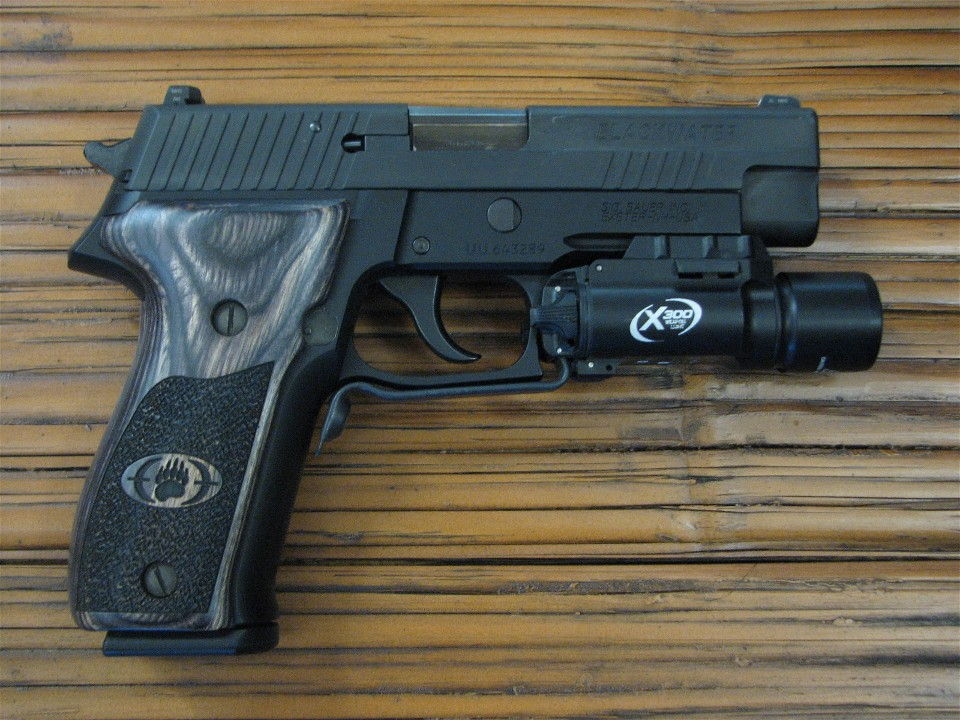 Review: SIG SAUER P226R 9mm Blackwater Limited Edition